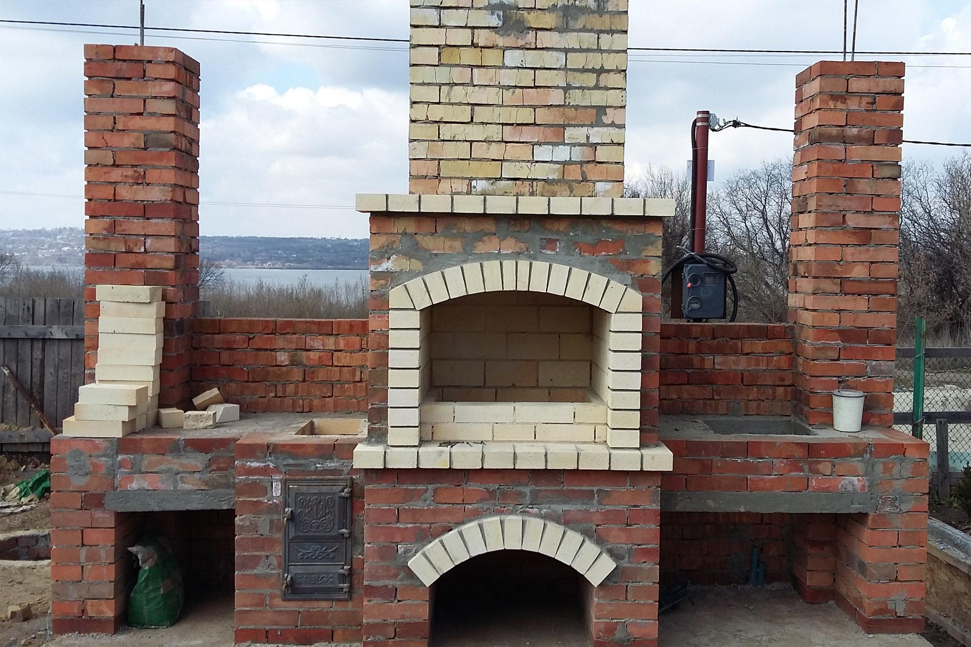 Строительство барбекю и каминов